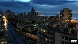 Vista de La Habana, con el malecón al fondo.