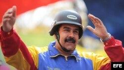 El presidente de Venezuela, Nicolás Maduro, participando en un acto con motorizados.