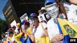 Una marcha en Washington en 2015 exigió la libertad de los presos políticos en Venezuela.