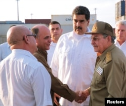 Nicolás Maduro y Raúl Castro en el Puerto de Mariel. Foto Archivo.