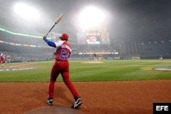 El bateador de Cuba Alfredo Despaigne.