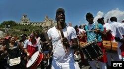 Participantes en la marcha contra la homofobia en La Habana