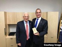 Mario Diaz-Balart con el embajador de los Estados Unidos en Israel, David Friedman.