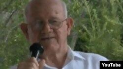"""""""No, yo me voy a quedar"""". Con esa decisión el hoy Obispo Emérito de la Iglesia Metodista de Cuba Armando Rodríguez salvó a esa denominación de la extinción."""