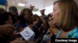 Josefina Vidal en las reuniones de las comisiones de la ANPP.
