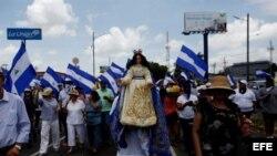 Miles de nicaraguenses marchan en Managua en apoyo a Obispos católicos