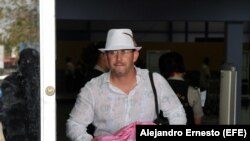 ¿Qué piensa el cubano que viajó al extranjero tras regresar a la isla?
