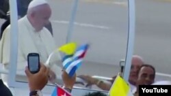 El Papa bendice a Zaqueo Báez