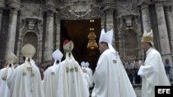 Un grupo de cardenales y obispos católicos cubanos.