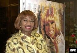 """Celia Cruz, la reina del son, a cincuenta años sobre los escenarios, junto al álbum """"Siempre viviré"""". (Archivo)"""