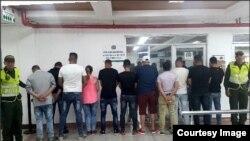 Los once cubanos arrestados por pretender ingresar a la de San Andrés en calidad de turistas.