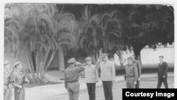 Raúl Castro recibe en Cuba al Mariscal soviético Andrei Grechko