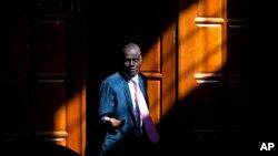 Fotografía de archivo del 7 de febrero de 2020 del presidente de Haití, Jovenel Moïse, llegando para una entrevista en su casa en Petion-Ville, un suburbio de Puerto Príncipe, Haití. (AP/Dieu Nalio Chery)