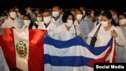 Médicos cubanos en Perú.
