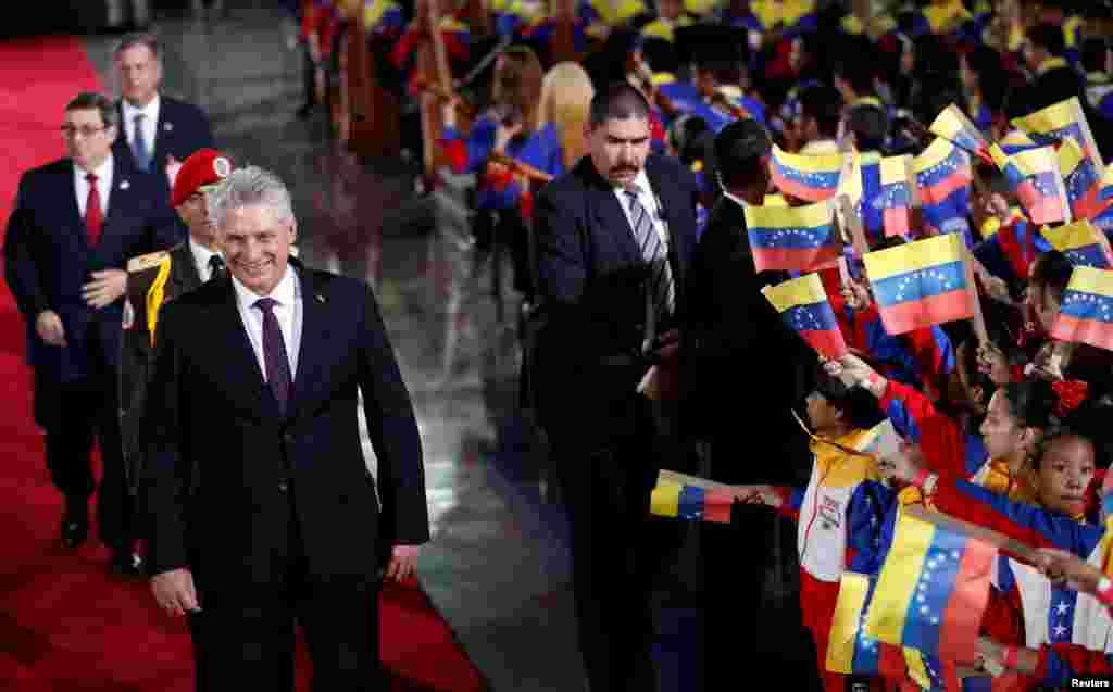 Miguel Díaz-Canel en la investidura de Maduro.