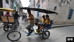 Habana- El turista dice que prefirió pagarle a un particular como guía que tomar una gira organizada por el gobierno.
