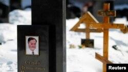 Tumba del abogado ruso Sergei Magnitsky en el cementerio de Preobrazhensky en Moscú, en una imagen del 22 de marzo de 2013.