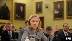 Clinton expone política exterior en el Congreso