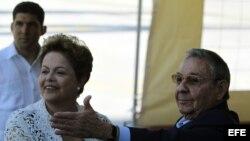 Raúl Castro y Dilma Rousseff inauguran la primera etapa del puerto del Mariel (Cuba) en el mes de enero.