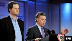 El presidente de Colombia, Juan Manuel Santos junto al Alto Comisionado para la Paz, Sergio Jaramillo.