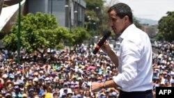 El presidente interino Juan Guaidó durante la manifestación del 1ro.de mayo en Caracas