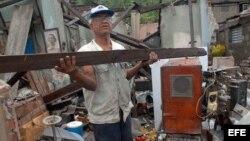 Sandy también causa daños en Manzanillo