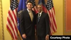 Oscar Elías Biscet recibido por el jefe de la Cámara Paul Ryan. Archivo.