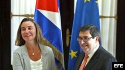 Federica Mogherini se ha reunido en varias ocasiones con el canciller cubano Bruno Rodríguez. (Archivo)