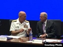 Jeff Sessions preside en Miami reunión sobre epidemia de opeáceos en EEUU.