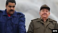 Nicolás Maduro y Raúl Castro. (Archivo)