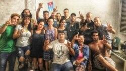 Integrantes del Movimiento San Isidro se enfrentan a las autoridades con poesía. (Facebook/San Isidro)