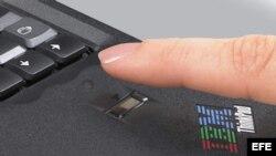 Computadora portátil biométrica del mundo, T42, con lector de huellas digitales y un sistema de seguridad interno.