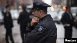 Policia de New York arresta a pareja con explosivos