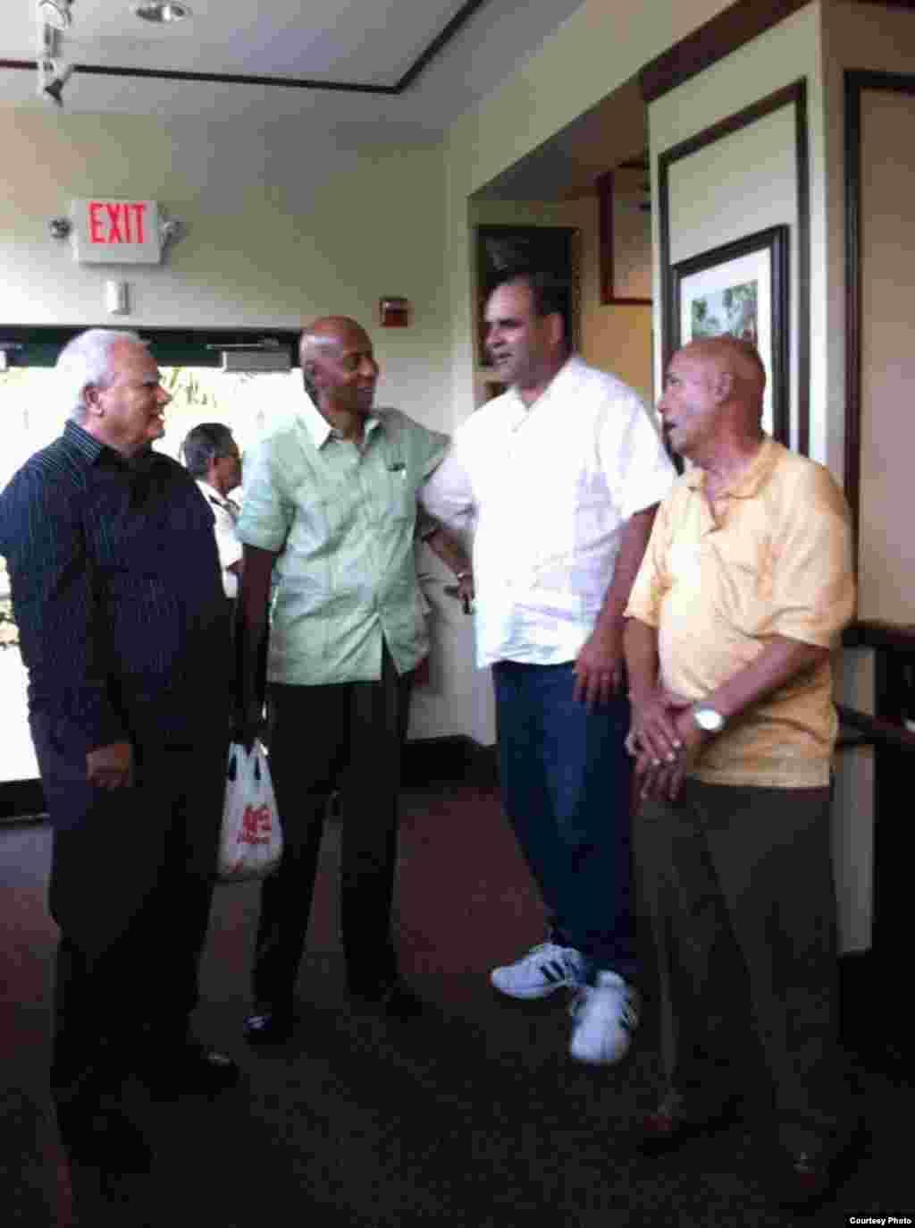 Guillermo Fariñas conferencia Exilio y Oposición Cubana