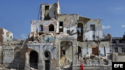 """""""La Habana, una ciudad otrora espectacular, está literalmente derrumbándose"""". La foto fue tomada en la capital cubana el año pasado."""