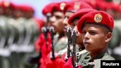 Soldados venezolanos durante una ceremonia.