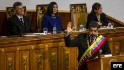 El presidente de Venezuela, Nicolás Maduro, rinde cuentas ante la nueva Asamblea Nacional dominada por la oposición.