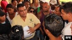 Un centenar de migrantes cubanos reclaman no haber sido incluidos en la lista de más de mil que viajarán desde Panamá hasta México.