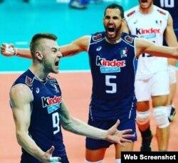 Italia festeja la victoria sobre EEUU.