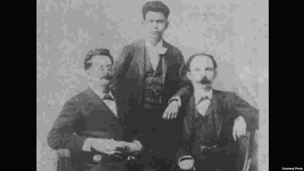 José Martí con su amigo Fermín Domínguez y Panchito Gómez Toro.