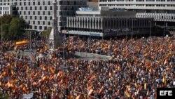 Vista general de la concentración convocada por la Fundación para la Defensa de la Nación Española (Denaes), hoy en la Plaza de Colón en un acto en defensa de la unidad de España, la Constitución y el estado de derecho.