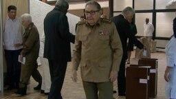 El primer secretario del Partido Comunista de Cuba, Raúl Castro, en una imagen de archivo. (HO/Cubavisión/AFP)
