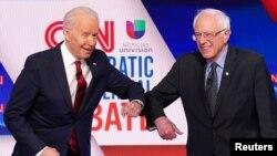 Los aspirantes a la denominación por el Partido Demócrata: el exvicepresidente Joe Biden y el el senador por Vermont Bernie Sanders.