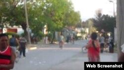 Reporta Cuba. Calle de Caimanera.