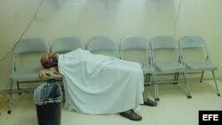 ARCHIVO. Un paciente espera ser atendido en el cuarto de urgencias del Hospital Santo Tomás en Ciudad Panamá.