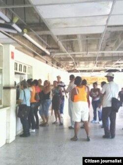 Reporta Cuba. Servicio de urgencias del Hospital Celia Sánchez. Foto: Rudisel Batista.