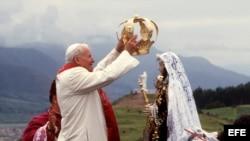 El Papa Juan Pablo II en Perú en 1985.