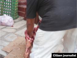 Reporta Cuba venta huesos de res Isla de Pinos foto Adel López