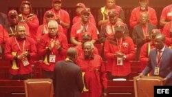José Eduardo Dos Santos, líder del MPLA durante cuatro décadas deja el poder en Angola
