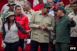 Cilia Flores, Nicolás Maduro y el general Vladimir Padrino (Archivo).
